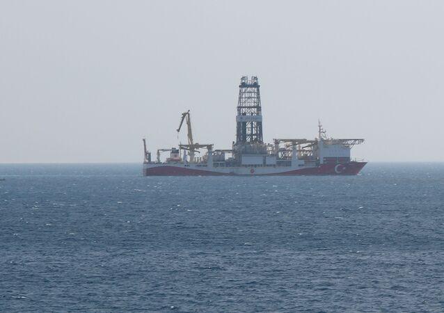 Yavuz Sondaj Gemisi, Mersin'in Taşucu ilçesi açıklarında