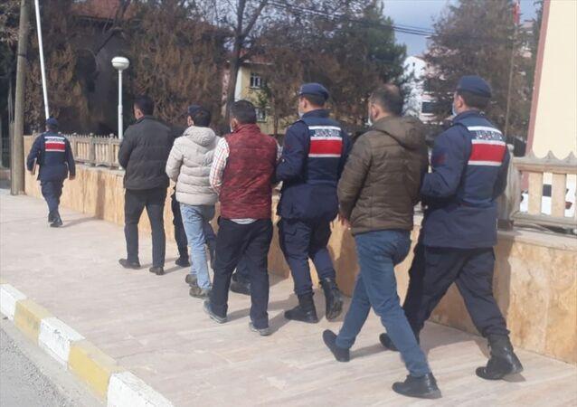Karabük'te demir yolu rayı çaldıkları iddia edilen 4 şüpheli tutuklandı