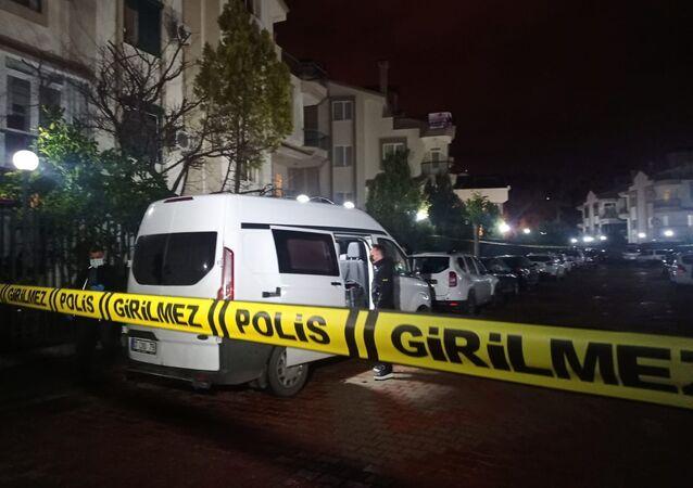 Antalya'da bir evde 4 kişinin cansız bedeni bulundu