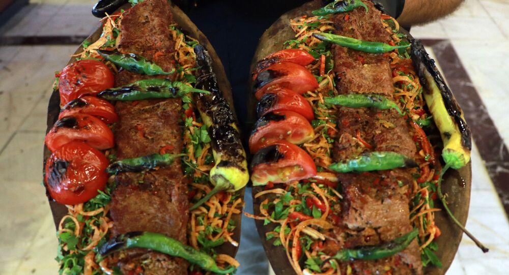 Adana, iki yüzlü kebap, bonfile et, kıyma