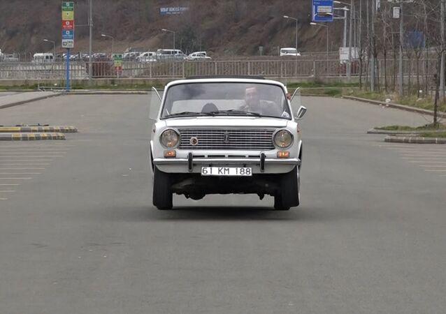 Murat Karanlık'ın modifiye ettiği 1987 model zıplayan otomobil, Trabzon