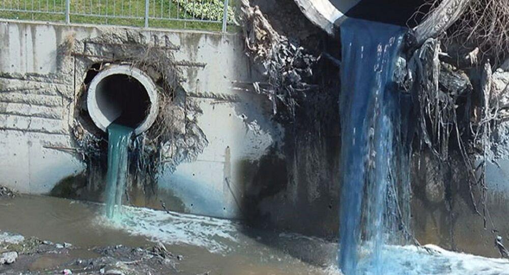 Esenyurt - kimyasal atık nedeniyle Haramidere mavi aktı.