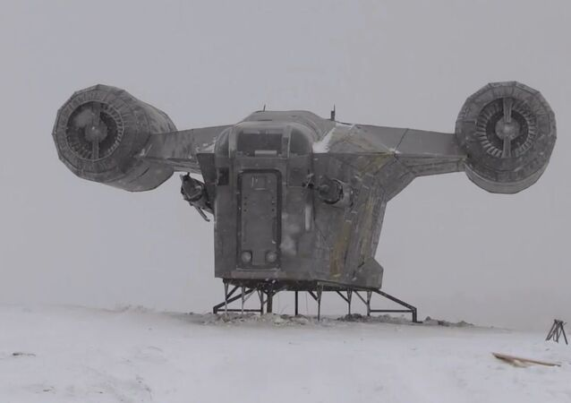 Yakutistan'da bir tepeye 'The Mandalorian' dizisindeki uzay gemisi 'indi'