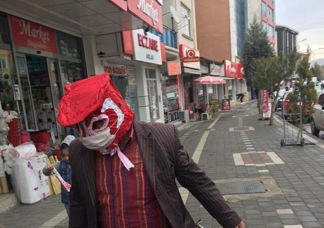 Yozgatlı vatandaş ve özel maskesi