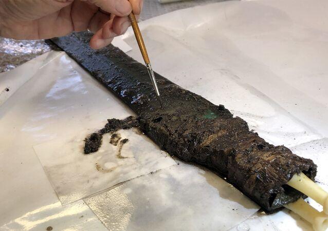 Danimarka'da Tunç Çağı'ndan kalma 3 bin yıllık kılıç bulundu