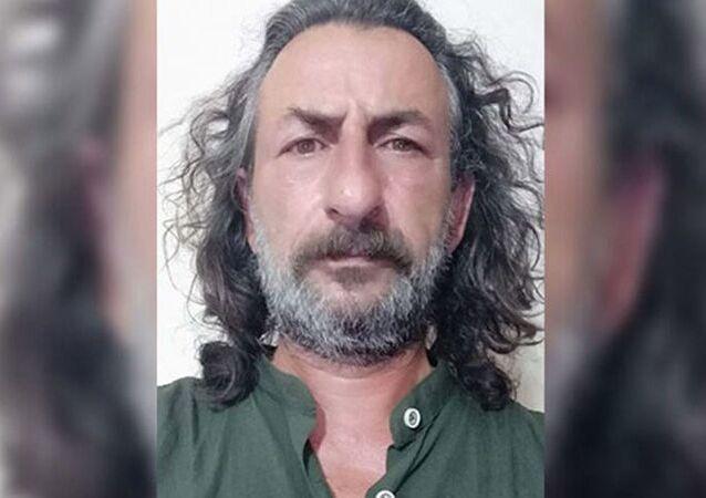 Balıkesir'de, 1996 yılında meydana gelen 'Susurluk kazası'ndaki kamyonun şoförüHasan Gökçe'nin bir dönem avukatlığını yapanİsmail Kavşut(62), evinde ölü bulundu
