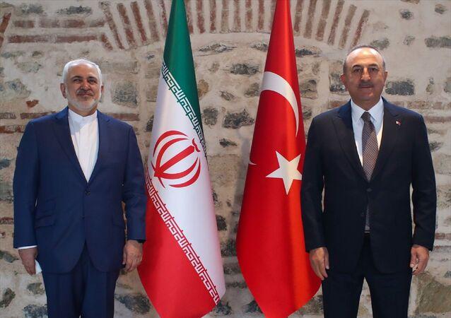 Dışişleri Bakanı Mevlüt Çavuşoğlu ve İran Dışişleri Bakanı Muhammed CevadZarif, İstanbul'da bir araya geldi.