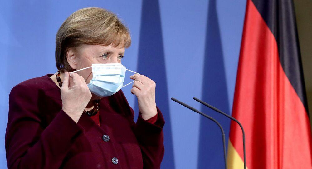 Almanya Başbakanı Angela Merkel, maske