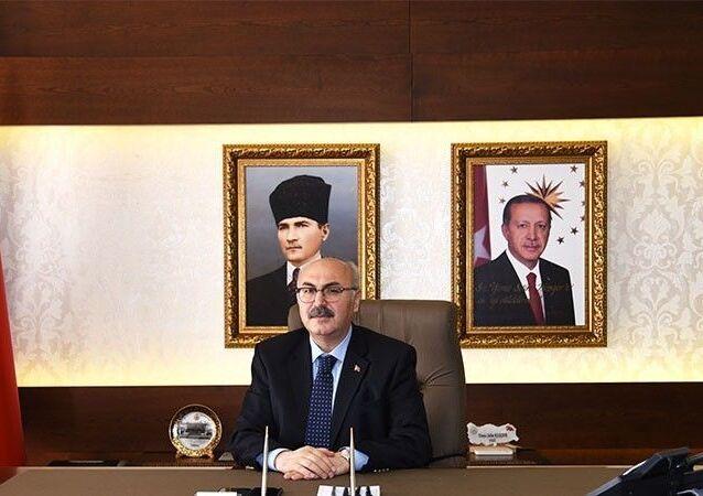İzmir Valisi Yavuz Selim Köşger
