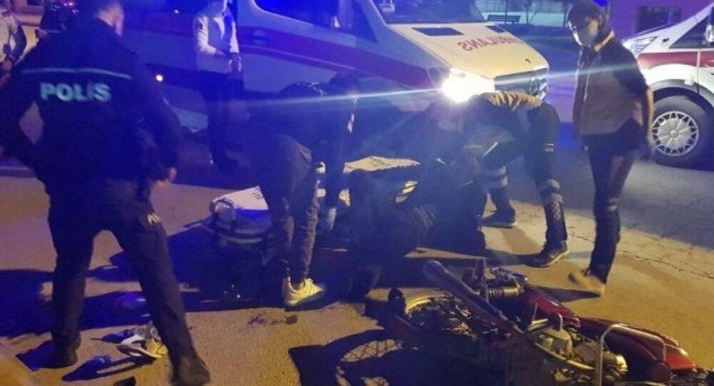 Antalya'nın Alanya ilçesinde cezaevinden yeni tip koronavirüs (Kovid-19) önlemleri kapsamında izinli olarak çıkan hükümlü, biri eşi, 2 kişiyi silahla yaraladı.