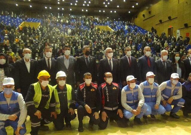 Büyükşehir Belediyesi ile DİSK-Genel İş Sendikası arasında toplu iş sözleşmesi imzalandı