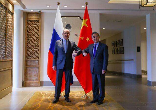 Rusya ve Çin'den BMGK daimi üyelerine zirve düzenleme çağrısı