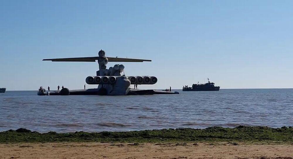 Sovyetler Birliği döneminde üretilen ve Hazar Denizi'nde kaza yaptıktan sonra uzun yıllar boyunca burada atıl vaziyette duran 'Hazar Denizi Canavarı' isimli Ekranoplan Moskova'daki Patriot Park'a götürüldü.