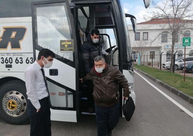 Yolcu otobüsünde koronavirüs paniği