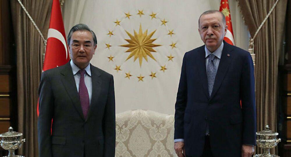 Cumhurbaşkanı Recep Tayyip Erdoğan, Çin Halk Cumhuriyeti Dışişleri Bakanı Vang Yi'yi kabul etti.