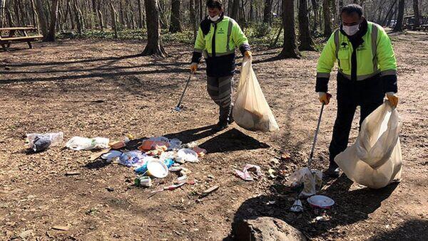 Belgrad Ormanı'ndan 10 ton çöp toplandı - Sputnik Türkiye