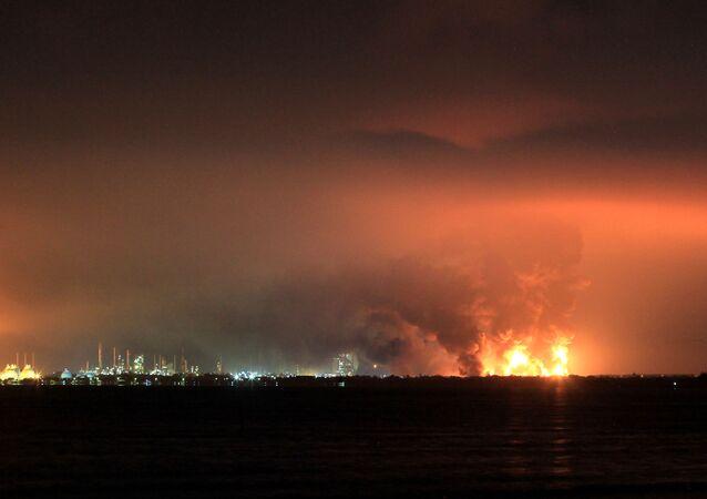 Endonezya'da Batı Cava eyaletinin Indramayu bölgesindeki petrol rafinerisinde meydana gelenpatlamada 20 kişinin yaralandığı bildirildi.