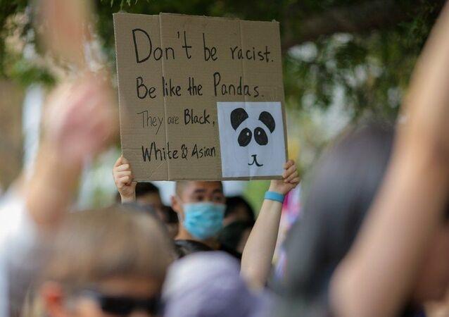 Yeni Zelandalılardan Asya ırkçılığına karşı yürüyüş