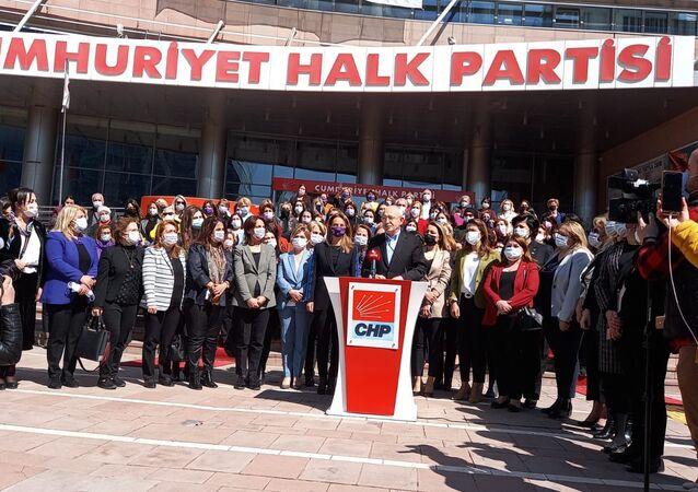 CHP'li kadınlar 'İstanbul Sözleşmesi' için Danıştay'a dava açtı