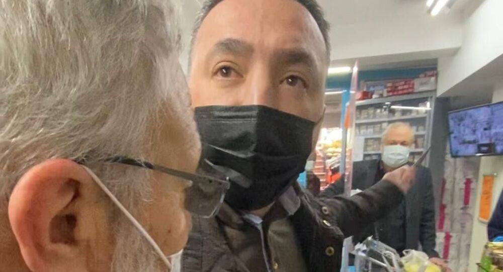 Kadıköy, market, bıçak, tehdit, sosyal mesafe