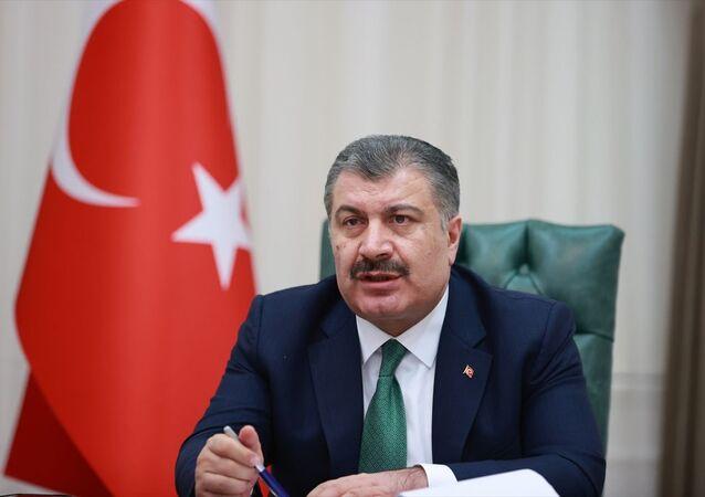 Sağlık Bakanı Fahrettin Koca, video konferans yöntemiyle düzenlenen Koronavirüs Bilim Kurulu toplantısına başkanlık etti.