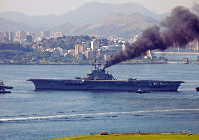 Brezilya Donanması'na ait NAe São Paulo