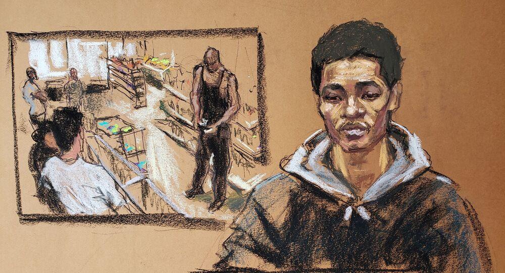 Mahkeme çizimiyle George Floyd davasında tanıklık eden Cup Foods kasiyeri Christopher Martin ve arka planda marketin güvenlik kamerası görüntüleri