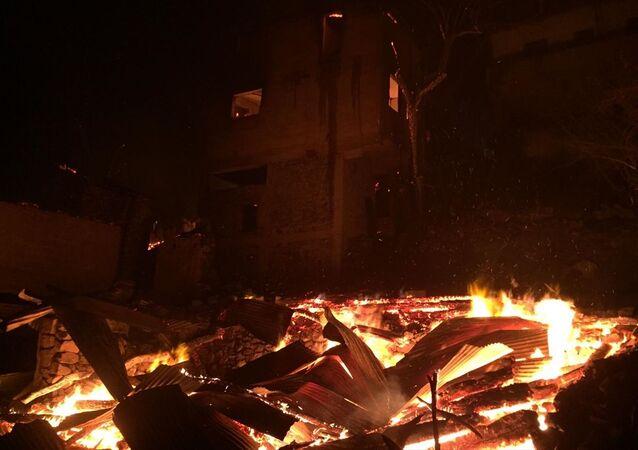 Artvin Valiliği, Ortaköy köyünde çıkan yangının büyük ölçüde kontrol altına alındığını bildirdi.