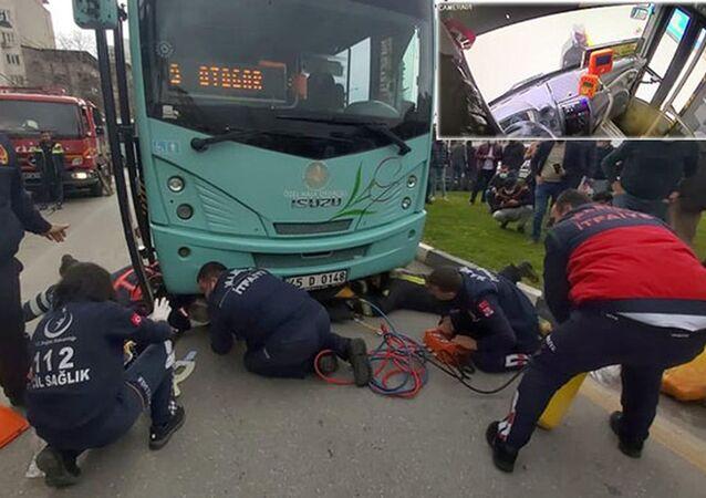 Otobüsün altında sürüklenen kadının mucize kurtuluşu kameralara yansıdı