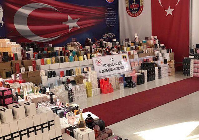 20 milyon liralık 20 bin şişe sahte parfüm yakalandı
