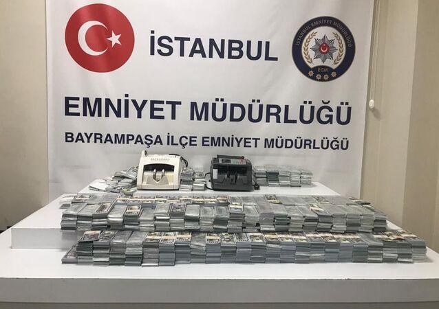 İstanbul'da 3 milyon 950 bin sahte dolar ele geçirildi