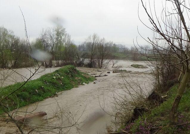 Bursa'da sağanak yağış: Dereler taştı, tarım arazileri sular altında kaldı