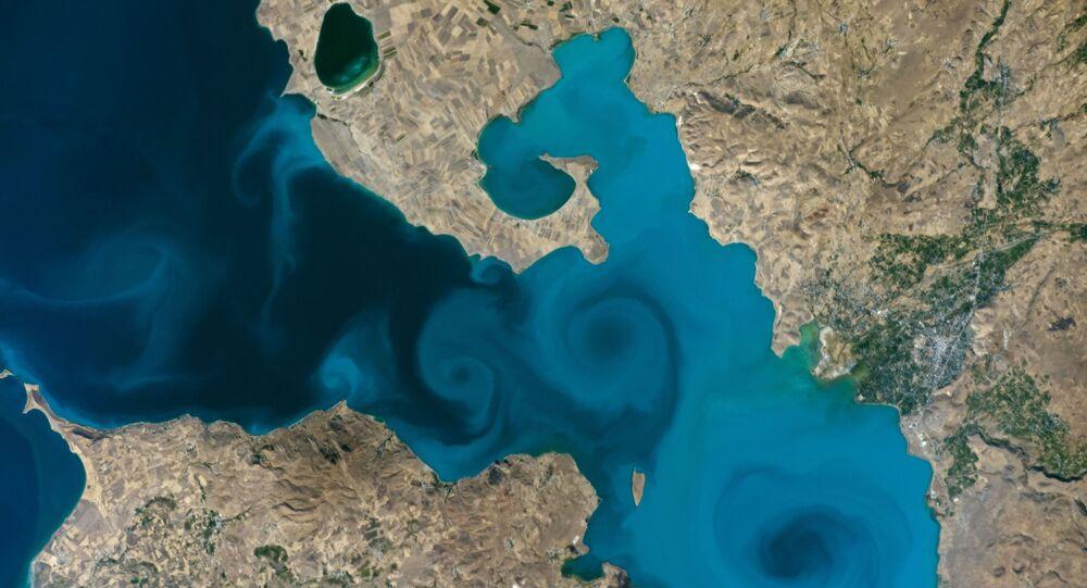 Van gölü uzay