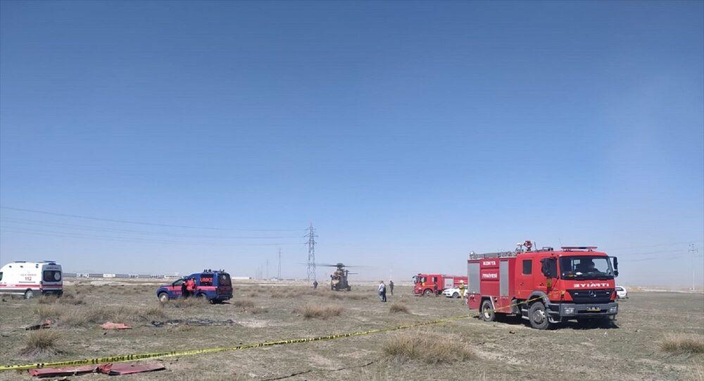 Konya'nın merkez Karatay ilçesinde gösteri uçağı düştü, olay yerine sağlık ve itfaiye ekipleri sevk edildi.