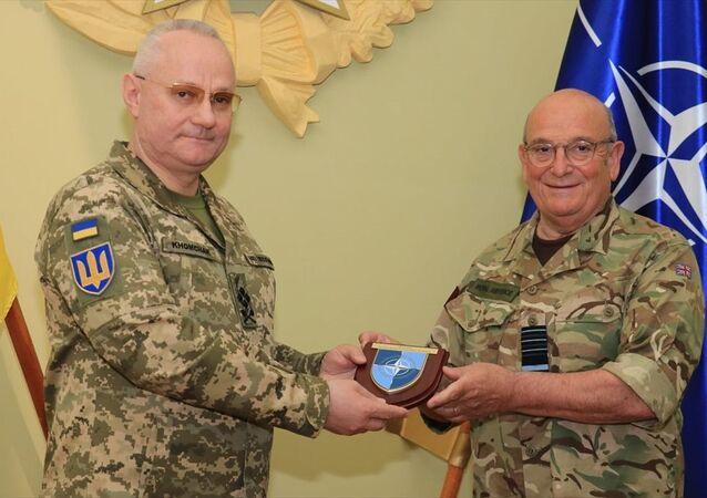 NATO Askeri Komite Başkanı Orgeneral Stuart Peach, Ukrayna Genelkurmay Başkanı Ruslan Homçak ile Lviv şehrinde görüştü.