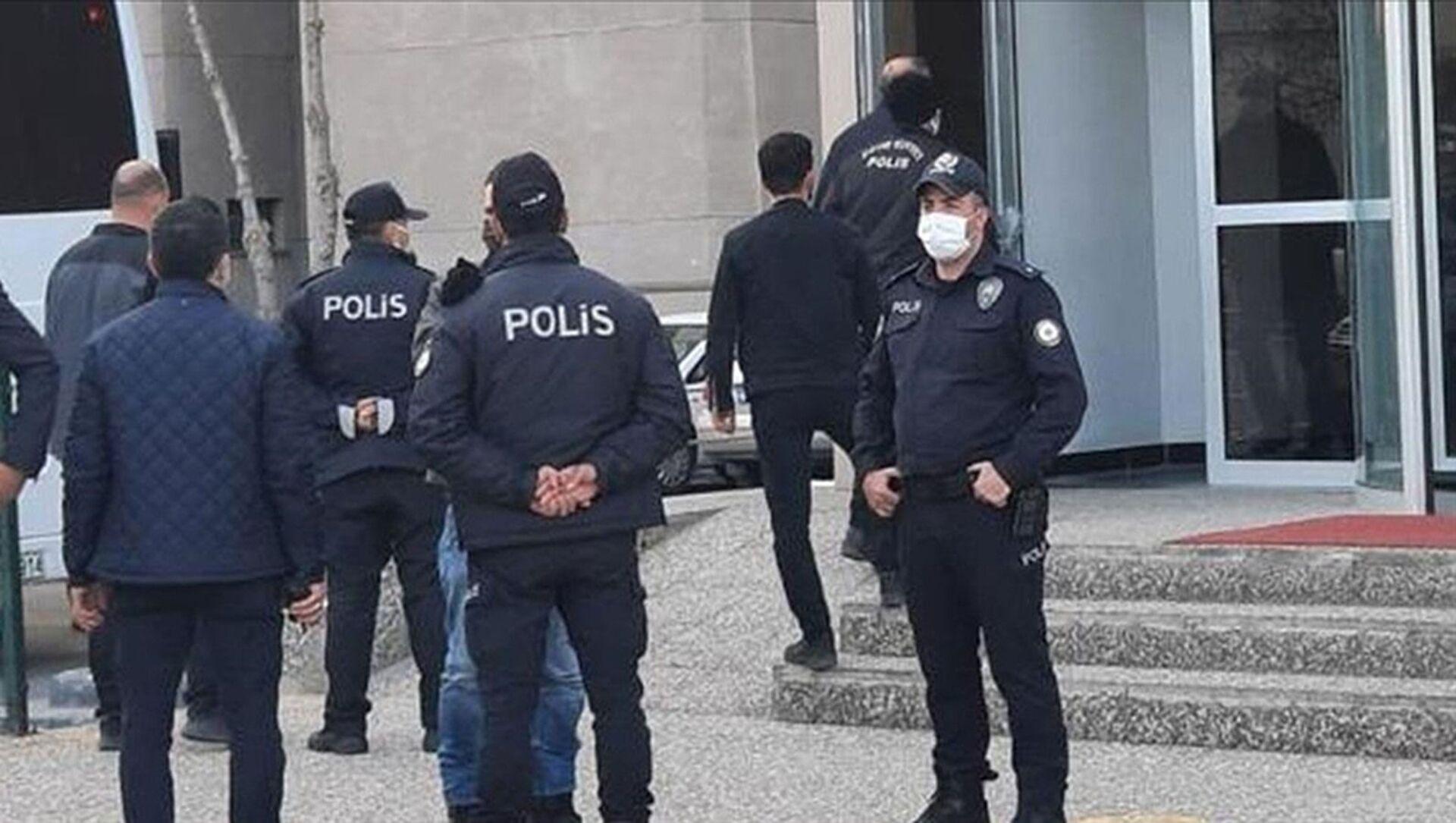 Gözaltı, polis - Sputnik Türkiye, 1920, 27.07.2021