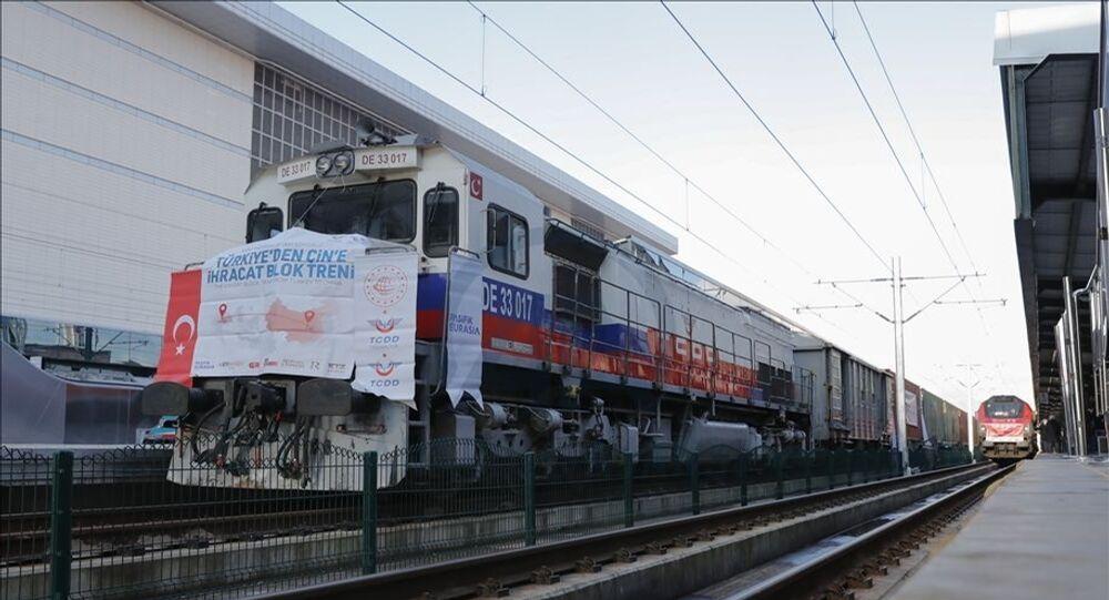 Çin'e giden bor yüklü tren