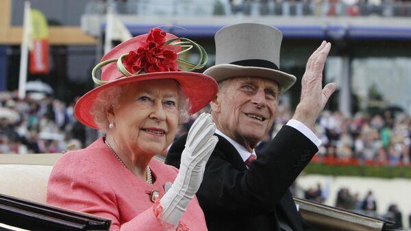 İngiltere Kraliçesi 2. Elizabeth'in eşi Prens Philip  - Sputnik Türkiye