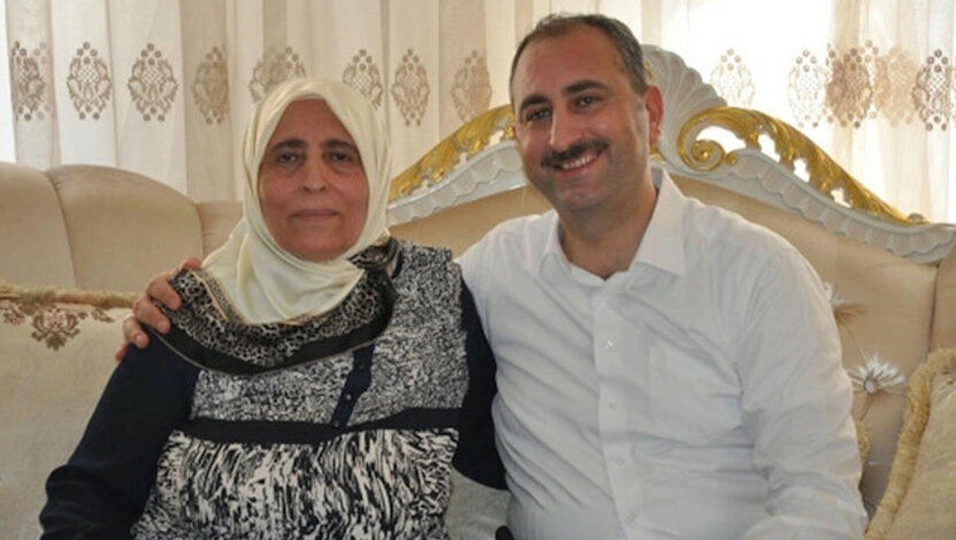 Abdülhamit Gül ve annesi - Sputnik Türkiye, 1920, 10.04.2021