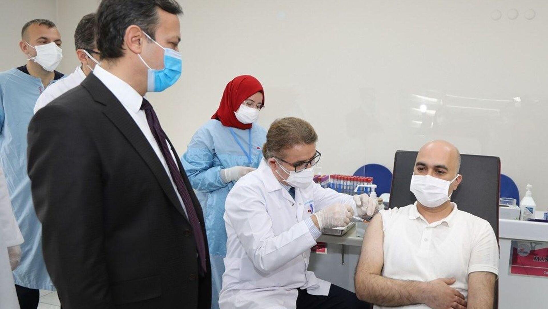 Yerli koronavirüs aşısında Faz-2 dozları tamamlandı - Sputnik Türkiye, 1920, 10.04.2021