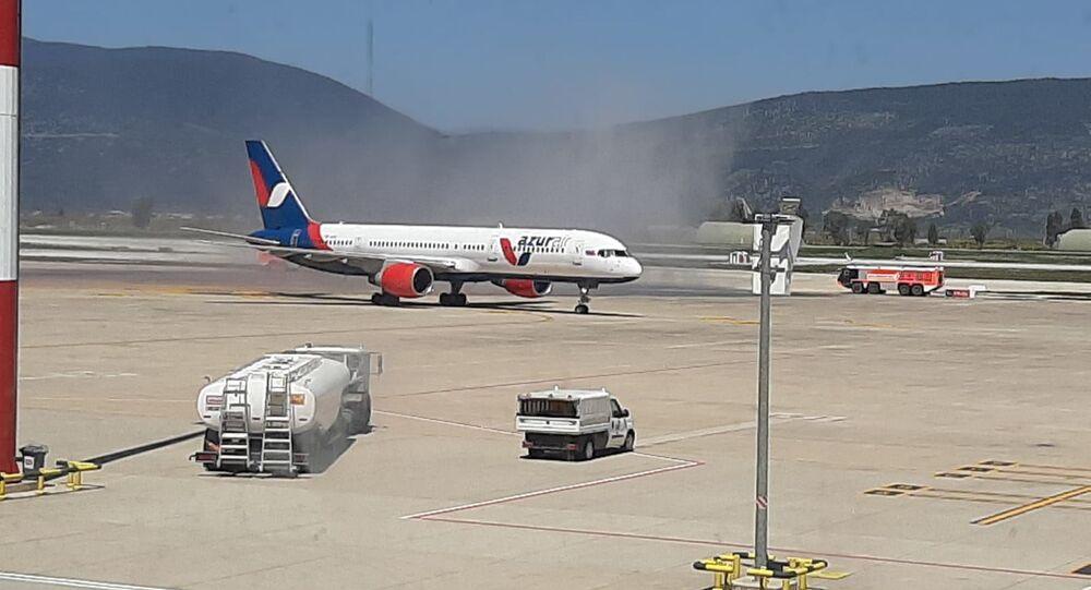 Bodrum'a sezonun ilk uluslararası uçağı iniş yaptı: Rusya'dan 212 turist geldi
