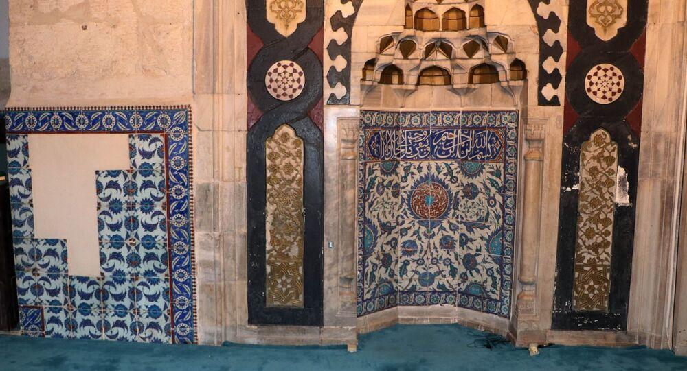 Adana Ulu Camii'nden çalınan İznik çinileri