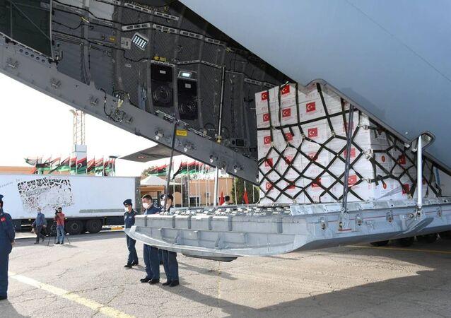 Hava Kuvvetlerine ait uçakla Ankara'dan yola çıkarılan 150 bin doz Kovid-19 aşısı Libya'ya ulaştırıldı
