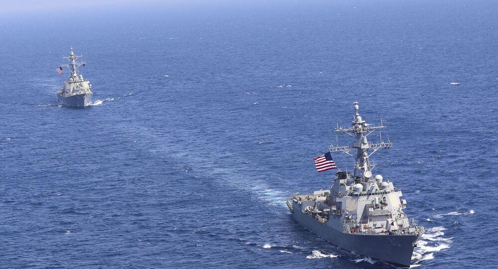 ABD'nin Akdeniz'de görevli Altıncı Filosu USS Donald Cook ve USS Roosevelt