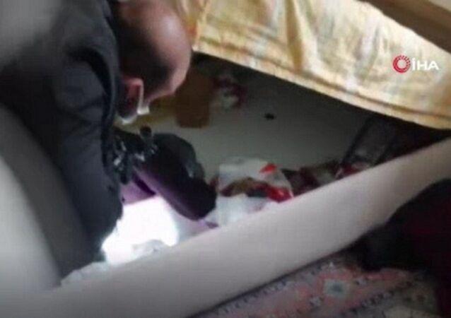 baza içerisinde yakalanan IŞİD yöneticisi