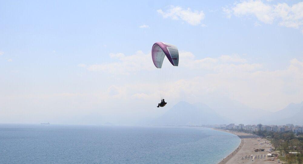 66 yaşındaki yamaç paraşütçüsü Ahmet İlter
