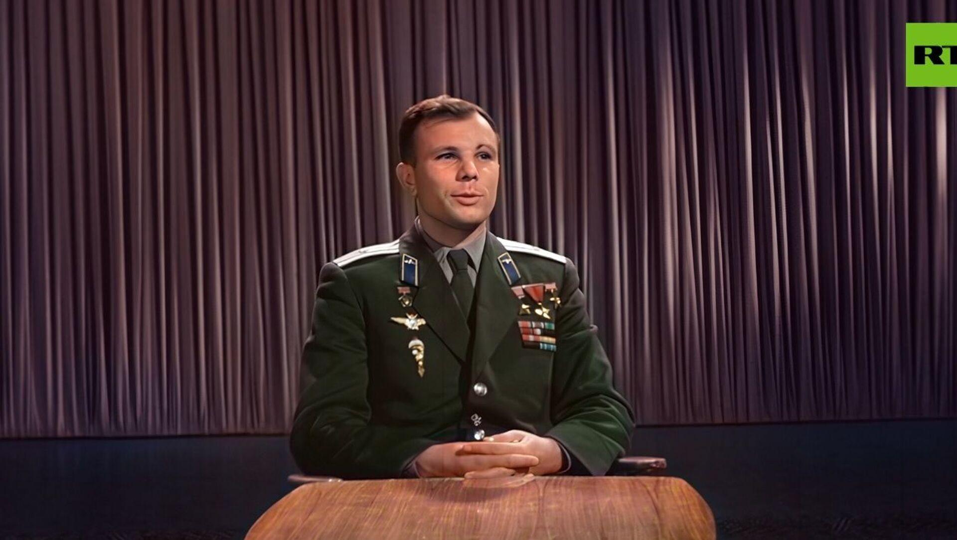 Uzaya çıkışın 1. yıl dönümünde Gagarin'in kutlama konuşması renklendirildi: ''Yaşasın barış'' - Sputnik Türkiye, 1920, 16.04.2021