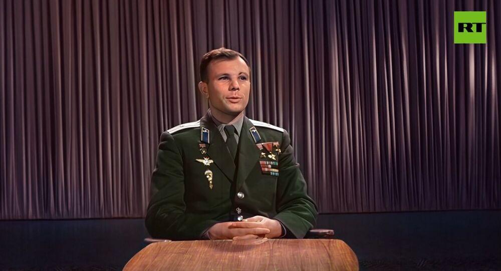 Uzaya çıkışın 1. yıl dönümünde Gagarin'in kutlama konuşması renklendirildi: ''Yaşasın barış''