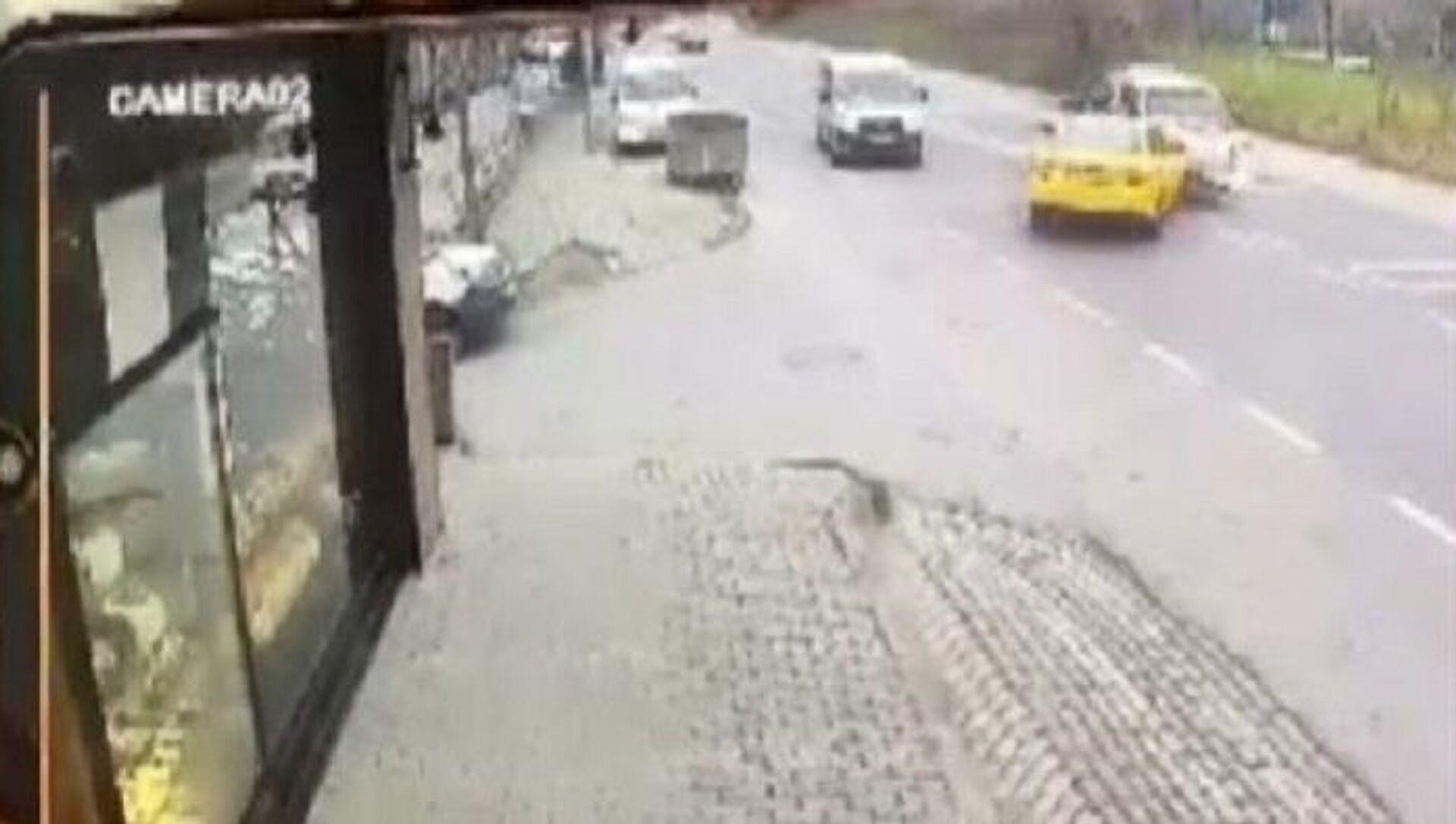 Başakşehir, hatalı sollama, zincirleme kaza - Sputnik Türkiye, 1920, 20.04.2021