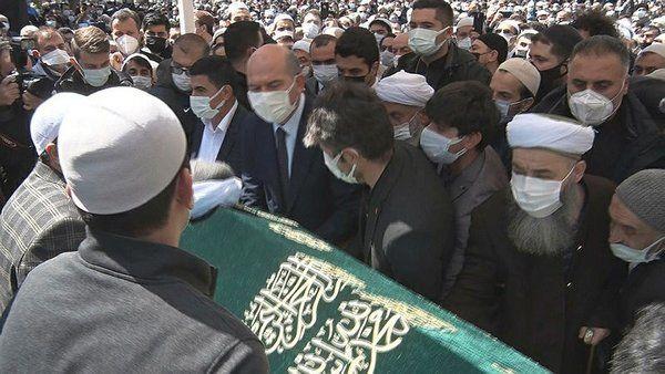 Koronavirüsten ölen Nur cemaati mensubu Hüsnü Bayramoğlu'nun cenazesine yoğun katılım